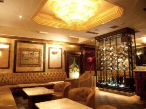 銀座の高級クラブ、ロイヤルガーデン(RoyalGarden)の店内画像2