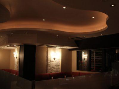 銀座の高級クラブ、クラブビー(ClubBee)の店内画像